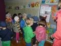 czterolatki na wystawie TDK-u